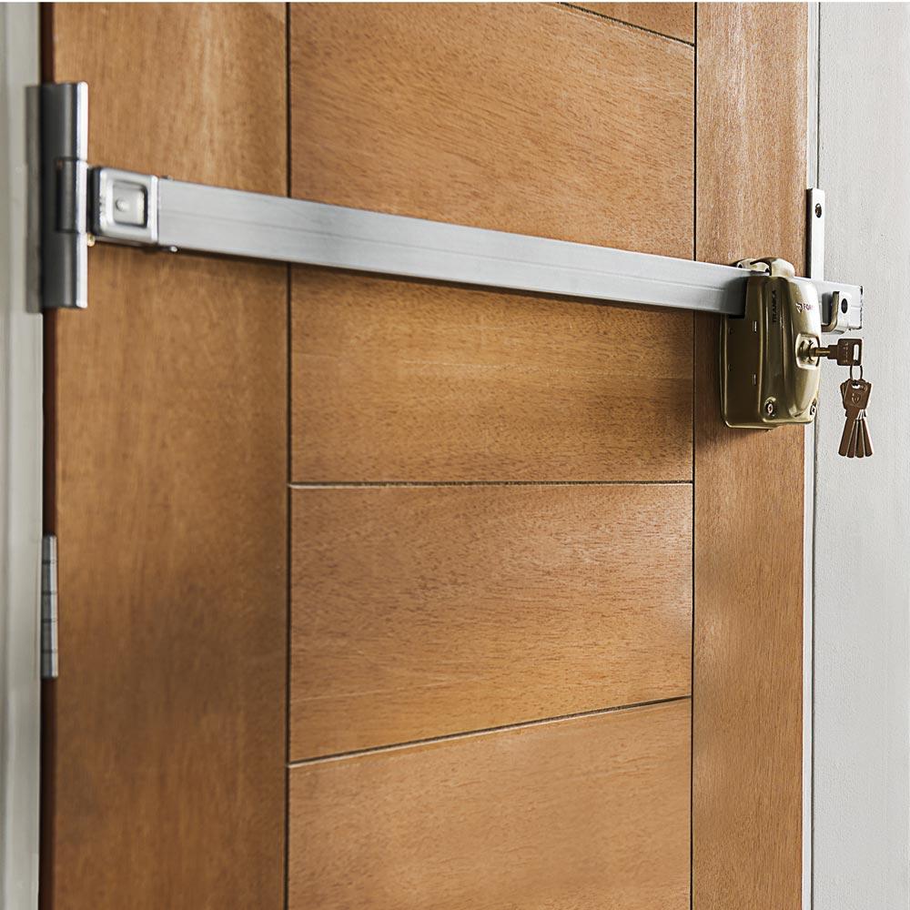 Tranca de alta seguridad enigma promart for Cerraduras para muebles de madera